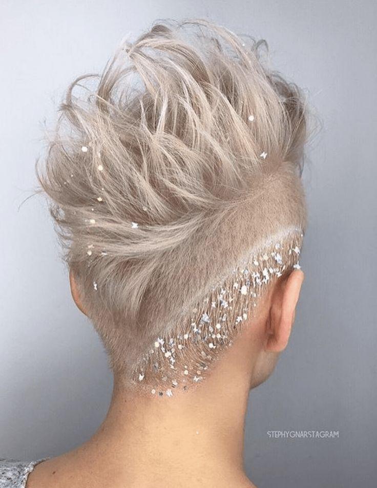 Šik-podignuta-frizura-za-venčanje-za-kratku-kosu
