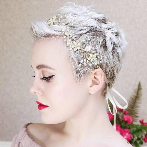 Šik-podignuta-frizura-za-venčanje-za-kratku-kosu4